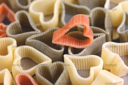 Herzige Nudeln in italienischen Nationalfarben © Liz Collet