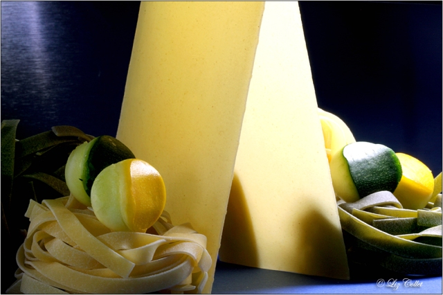 Pasta und Zucchini in Gelb und Grün© Liz Collet