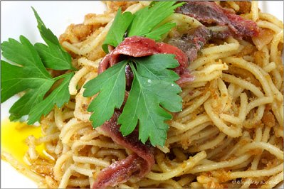 Spaghetti mit Sardellen © Liz Collet