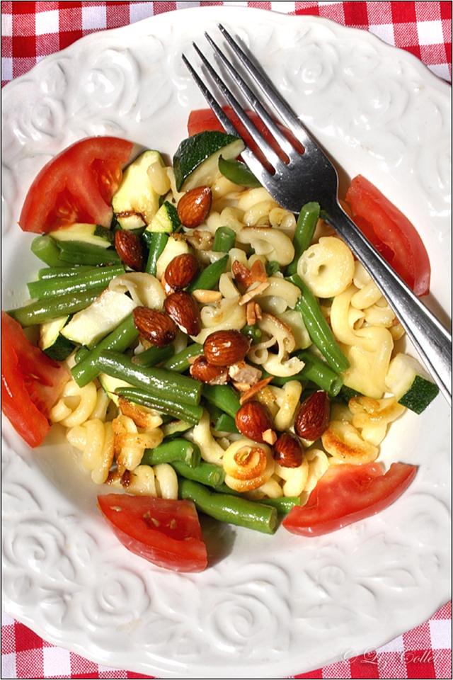 Trottole mit Zucchini, Bohnen und Mandeln © Liz Collet